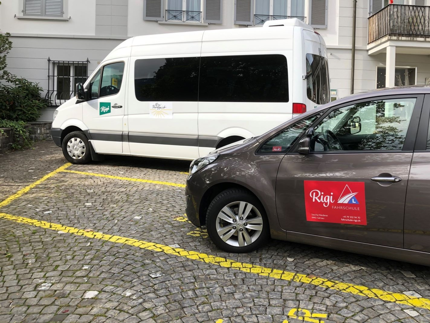 Fahrschule Rigi GmbH supportet Wintersport Bus
